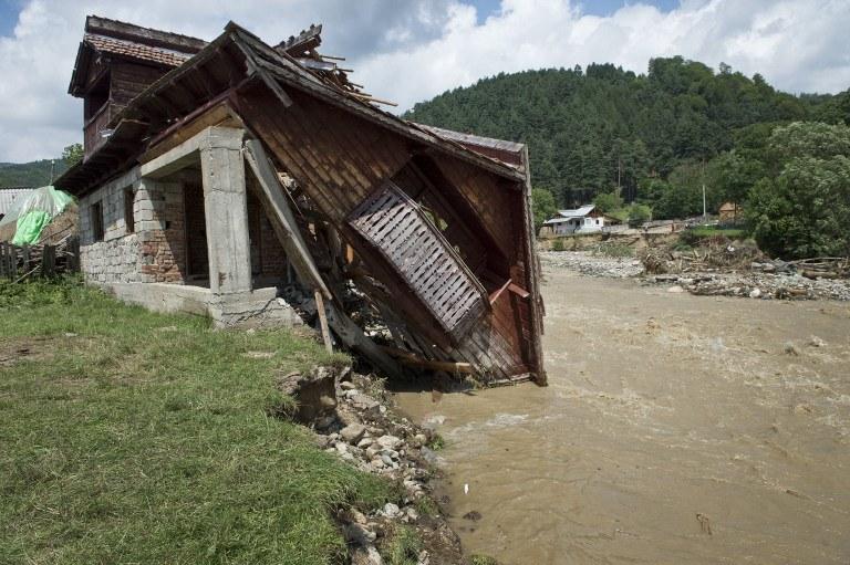Zniszczenia po przejściu żywiołu /AFP