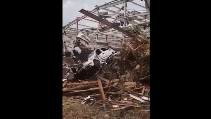 Zniszczenia po tornadzie w Czechach. /Twitter