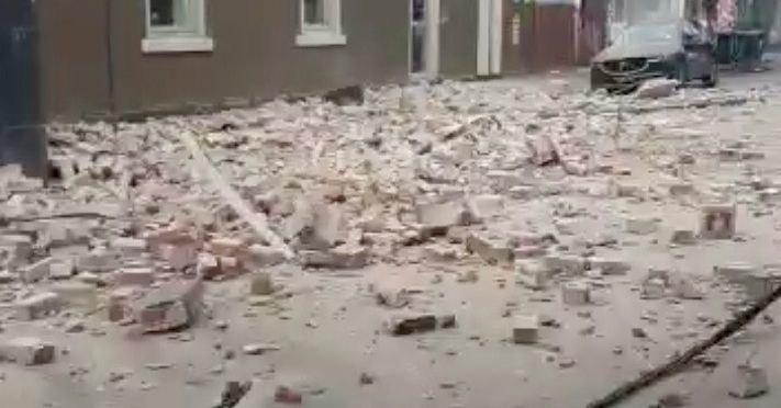 Zniszczenia po trzęsieniu ziemi w Australii /Reuters /Twitter