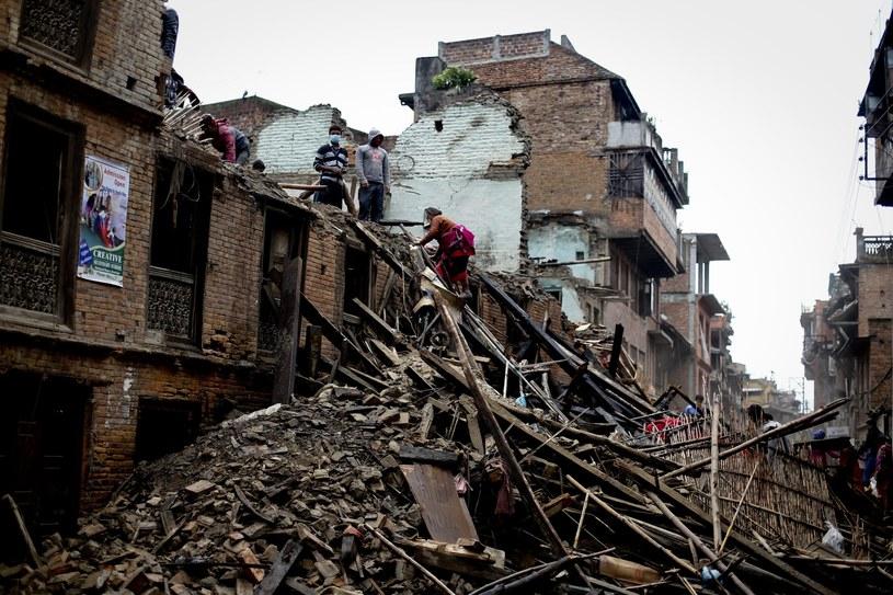 Zniszczenia po trzęsieniu ziemi /PAP/EPA