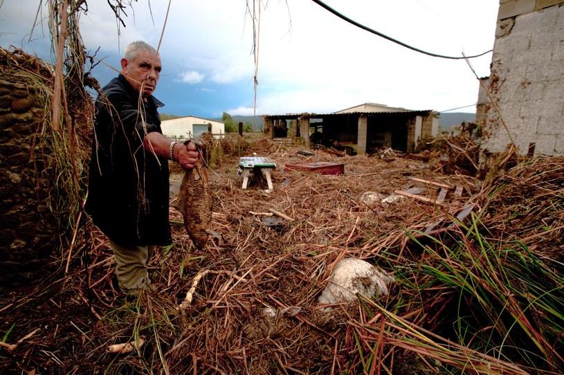 Zniszczenia po ulewach /AFP