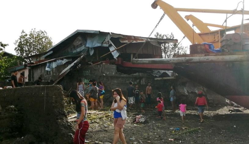 Zniszczenia spowodowane przez tajfun /PAP/EPA/ROBERT DEJON /PAP/EPA