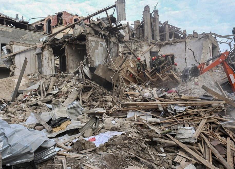 Zniszczenia w Gandży /AZERBAIJAN FOREIGN MINISTRY PRESS  /PAP/EPA
