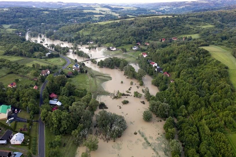Zniszczenia w Hadlach Kańczuckich, zdjęcia z 26 czerwca 2020 /Dariusz Delmanowicz    /PAP