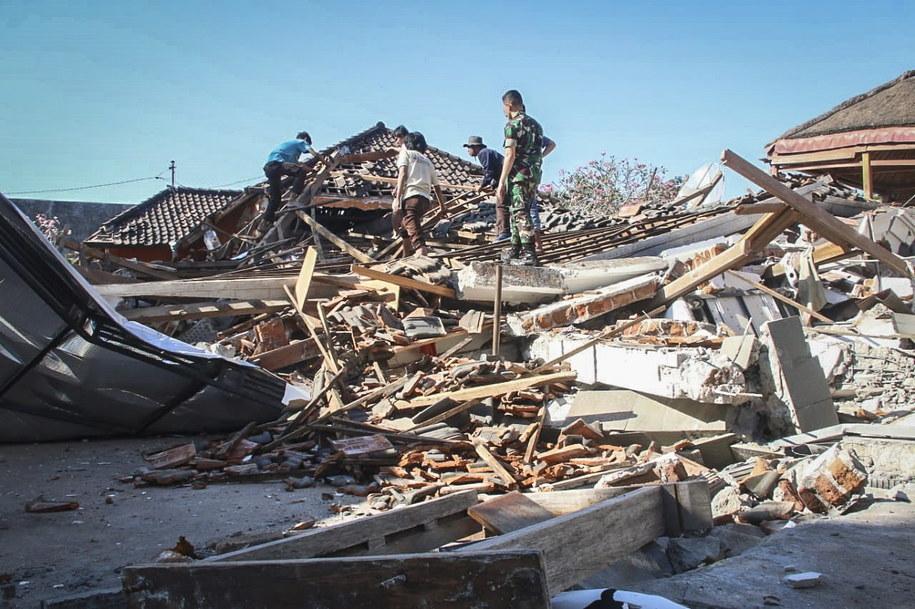 Zniszczenia w Indonezji /PAP/EPA/STR /PAP/EPA