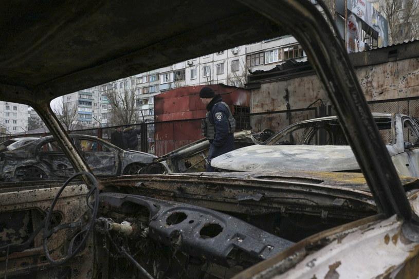 Zniszczenia w Mariupolu po ostrzelaniu przez separatystów dzielnicy mieszkaniowej /PAP/EPA