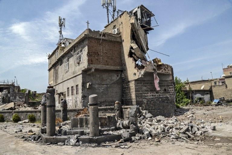 Zniszczenia w mieście Diyarbakir/ zdj. ilustracyjne /ILYAS AKENGIN / AFP /AFP