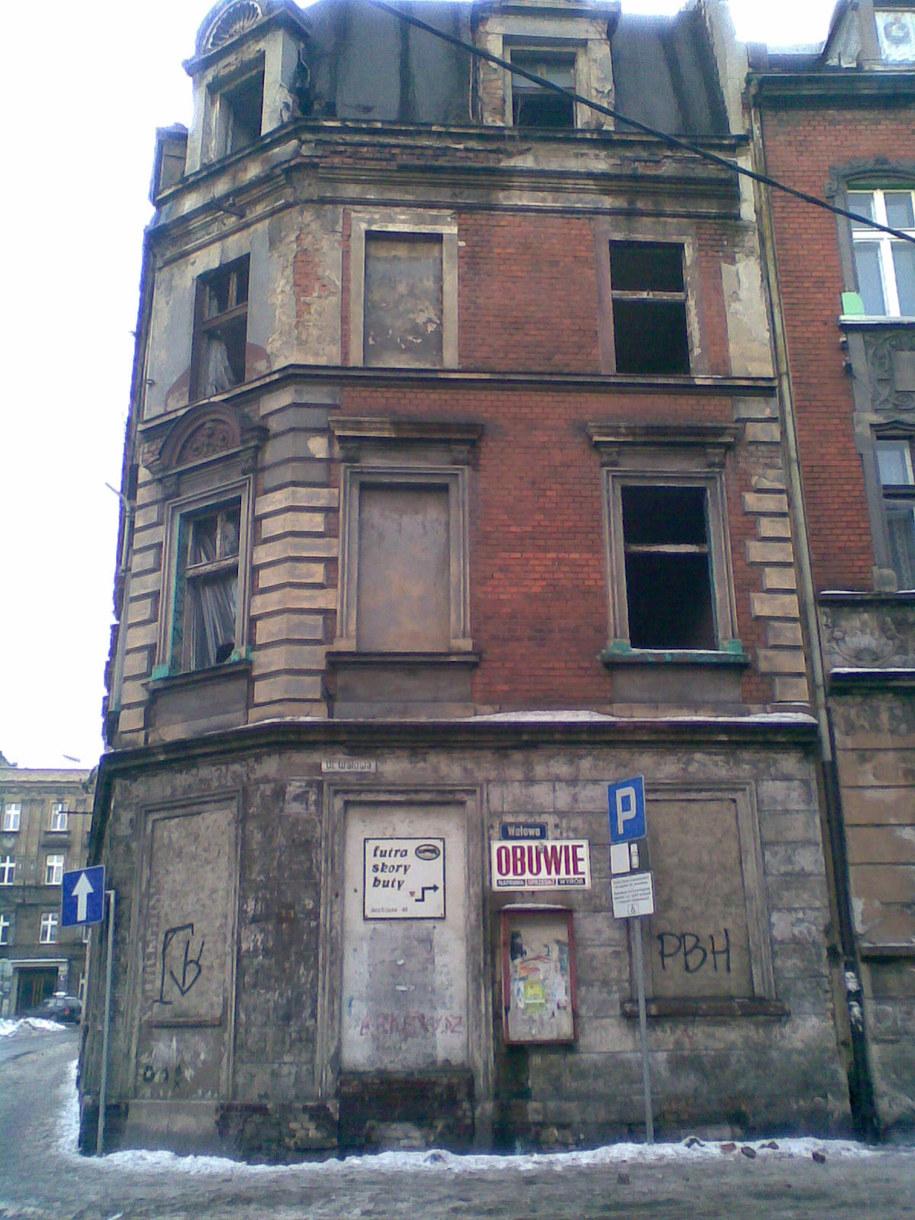Zniszczona kamienica w centrum Bytomia  /Marcin Buczek /Archiwum RMF FM