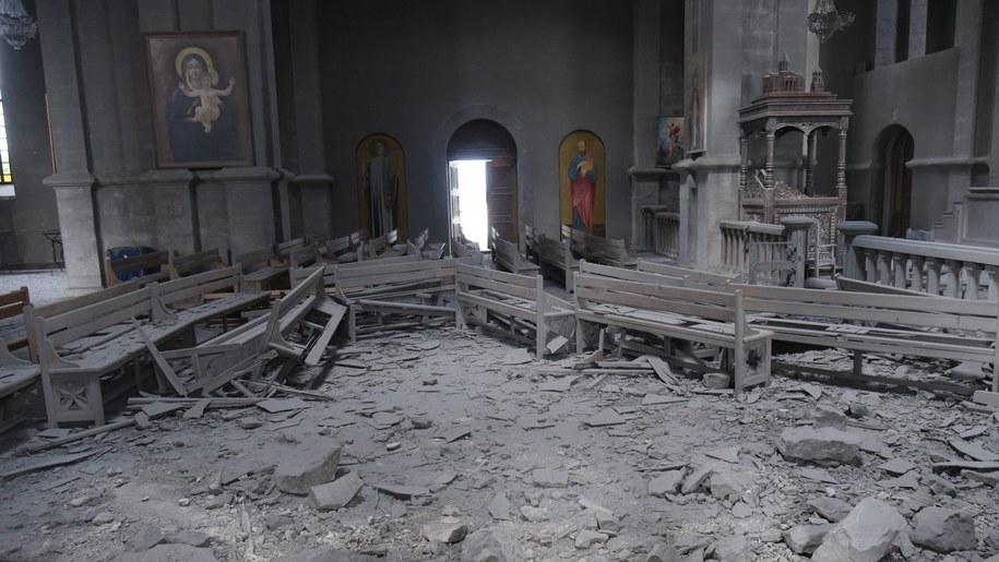 Zniszczona ormiańska katedra w Szuszi /DAVIT GHAHRAMANYAN / ARMENIAN FOREIGN MINISTRY  /PAP/EPA