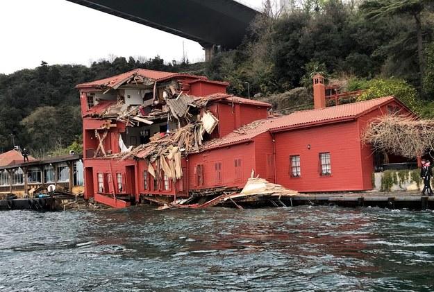 Zniszczona posiadłość Hekimbasi Salih Efendi /PAP/EPA /PAP/EPA