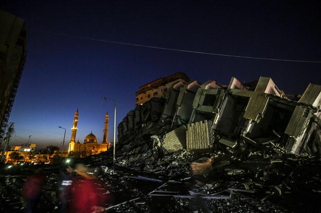 Zniszczona wieża Hanadi po izraelskim nalocie na Strefę Gazy /MOHAMMED SABER  /PAP/EPA