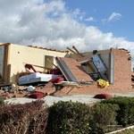 Zniszczone budynki, powalone drzewa. Dziesiątki niszczycielskich tornad w USA