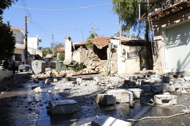 Zniszczone budynki w Arkalochori /NIKOS CHALKIADAKIS /PAP/EPA