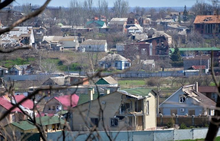 Zniszczone domy, Mariupol w 2015; Zdj. ilustracyjne /GENYA SAVILOV /AFP