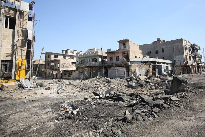 Zniszczone ulice Mosulu / AHMAD AL-RUBAYE /AFP