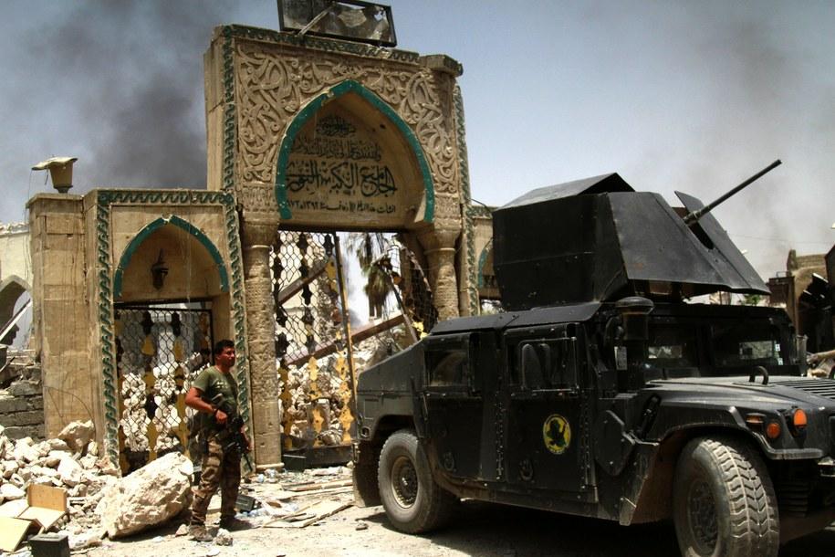 Zniszczony meczet al-Nuri /STR a /PAP/EPA