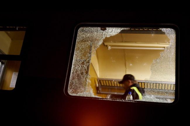 Zniszczony pociąg /Adam Warżawa /PAP