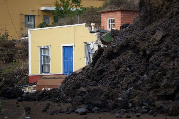 Zniszczony przez lawę dom w miejscowości Todoque /RAMON DE LA ROCHA /PAP/EPA