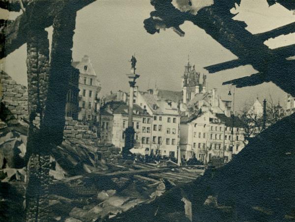 Plac Zamkowy po bombardowaniu