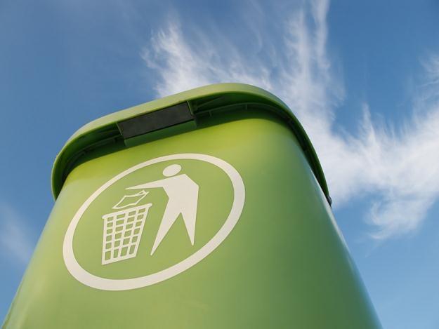Znów majstrują przy śmieciach. Mieszkańcom grozi monopol, a PO kryzys /© Panthermedia