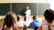 Znów setki milionów złotych na czternastki dla nauczycieli