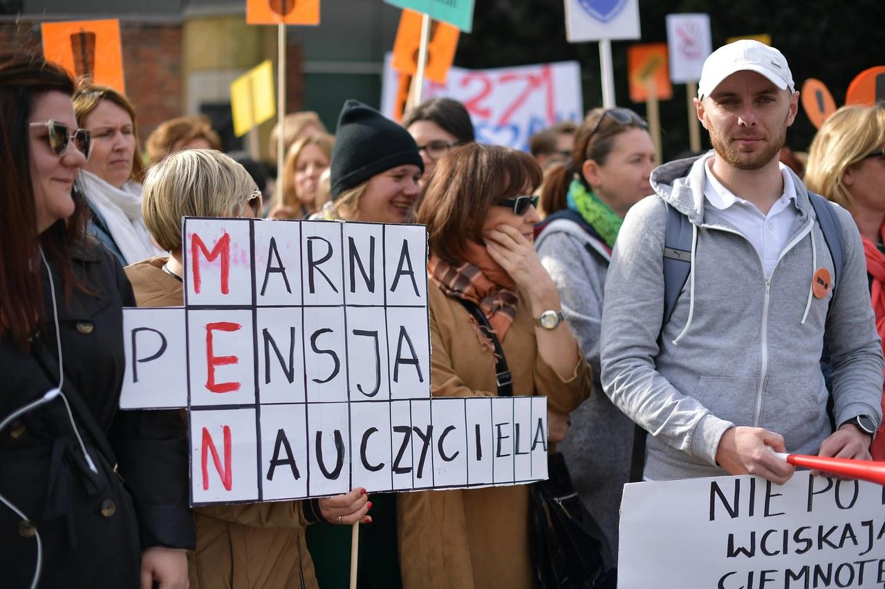 ZNP wychodzi na ulice: Każdego ósmego dnia miesiąca manifestacje w innym mieście