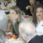 Znudzona(?) córka Rusin i Lisa na imprezie!