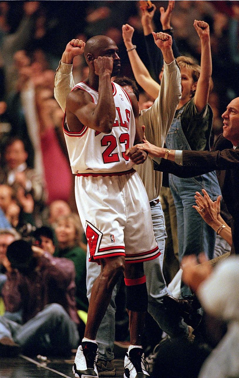 Zobaczymy z bliska, jak MIchael Jordan wraz z Chicago Bulls zdobywał szósty mistrzowski tytuł /Jonathan Daniel/Allsport /Getty Images
