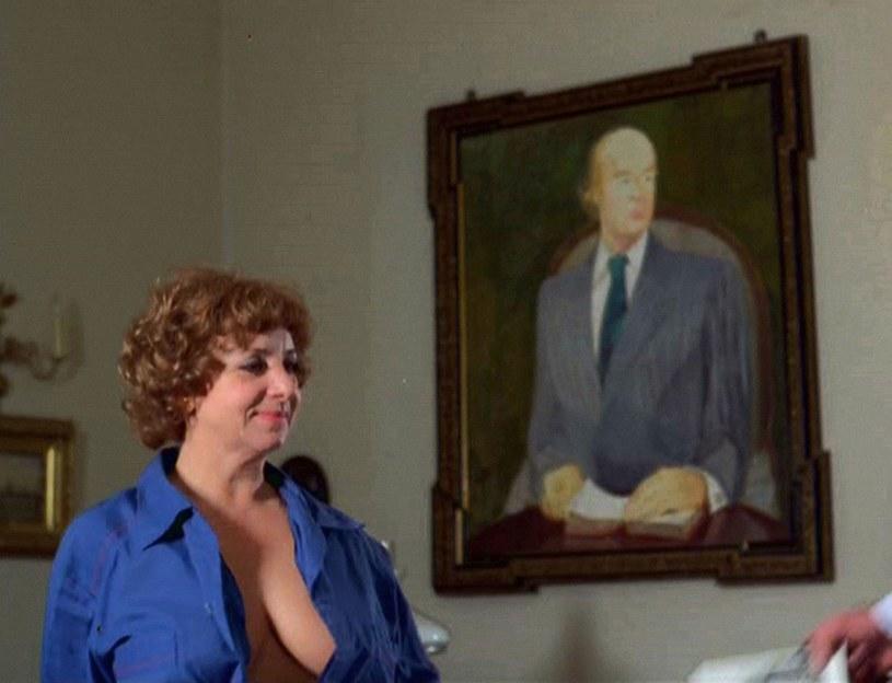 """Zofia Czerwińska w filmie Stanisława Barei """"Miś"""" (1980) /East News/POLFILM"""