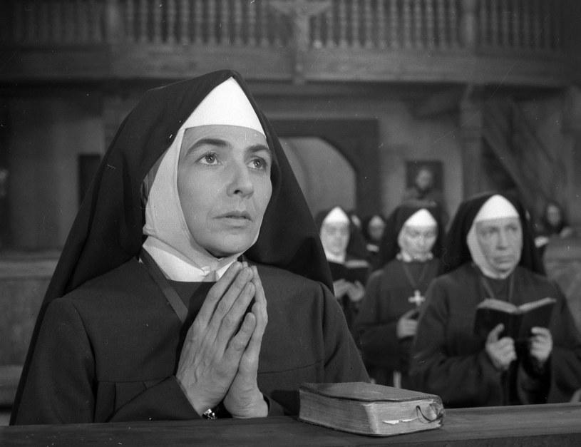 """Zofia Rysiówna w filmie """"Drewniany różaniec"""" (1964) /East News/POLFILM"""
