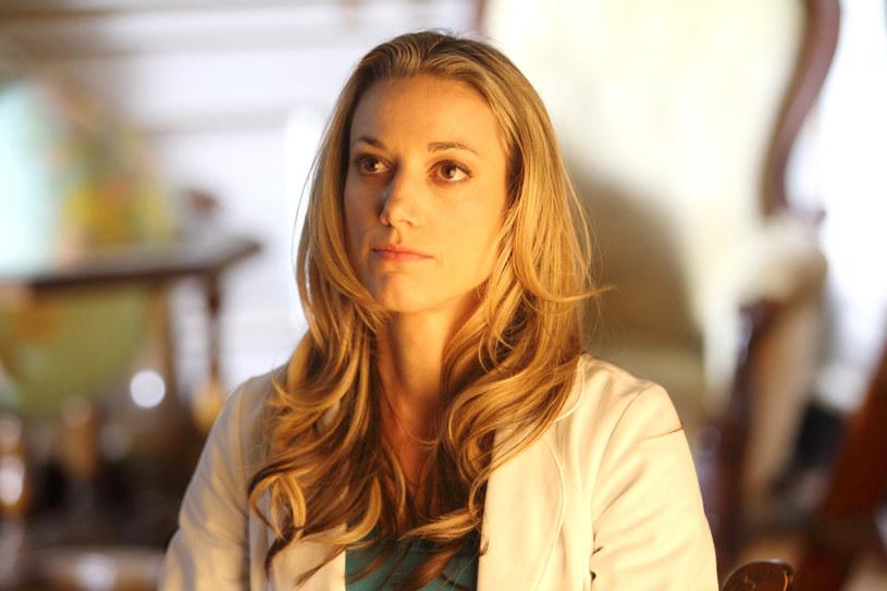 """Zoie Palmer jako Lauren Lewis w """"Zagubionej tożsamości"""" /AXN"""