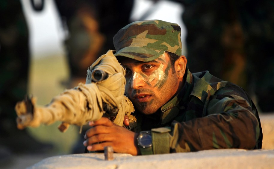 Żołnierz iracki /STR (PAP/EPA) /PAP/EPA