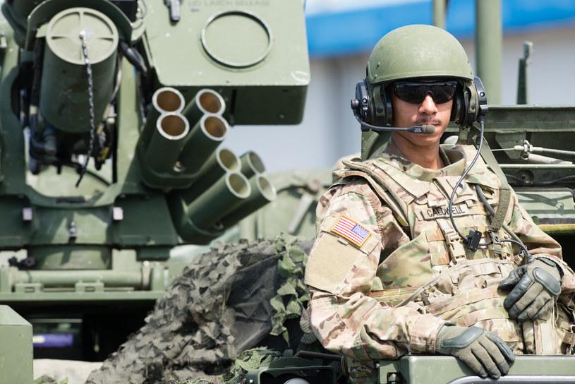 Żołnierz NATO podczas niedawnych ćwiczeń Anakonda 2016 /Polska Press /East News