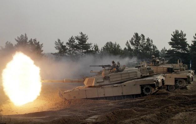 Żołnierze 1. Dywizji Kawalerii Pancernej US Army podczas manewrów na Łotwie w listopadzie 2014 /VALDA KALNINA /PAP/EPA