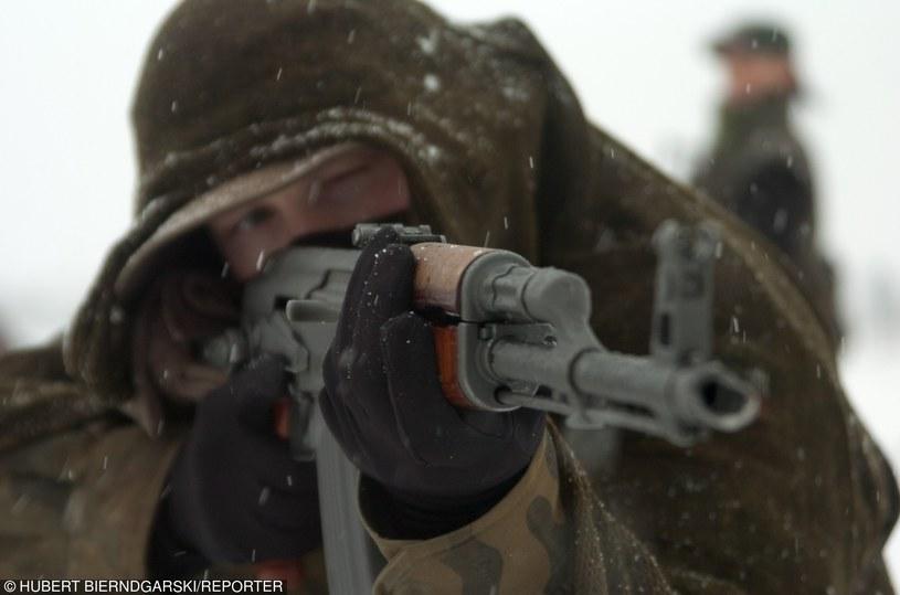 Żołnierze doskonale radzą sobie w zimowych warukach /INTERIA.PL/materiały prasowe