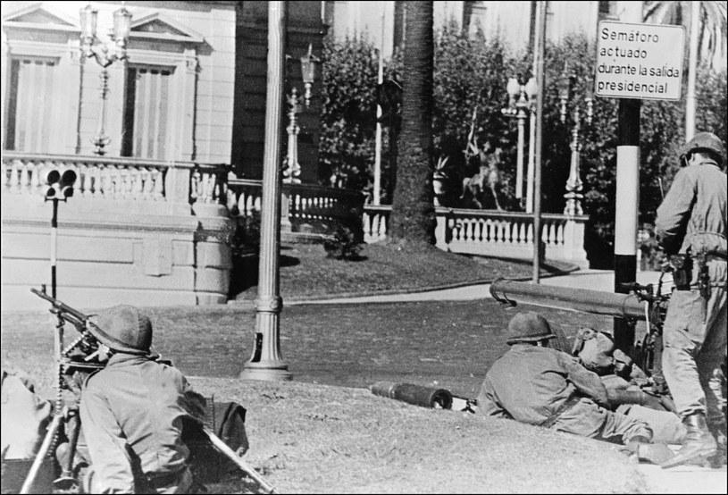 Żołnierze na ulicach Buenos Aires, marzec 1976 /archiwum /AFP