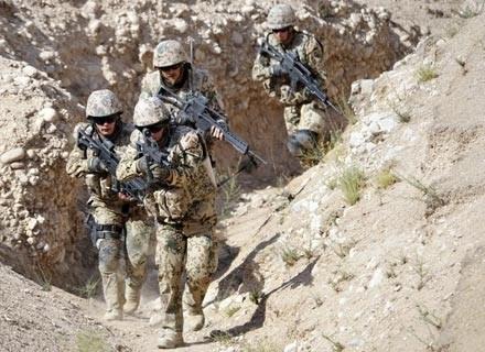 Żołnierze niemieckich Sił Szybkiego Reagowania podczas ćwiczeń w okolicach Mazar e Sharif /AFP