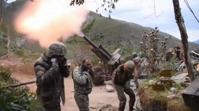 Żołnierze sił Armenii podczas starć z Azerbejdżanem /EPA/ARMENIAN DEFENCE MINISTRY /PAP/EPA