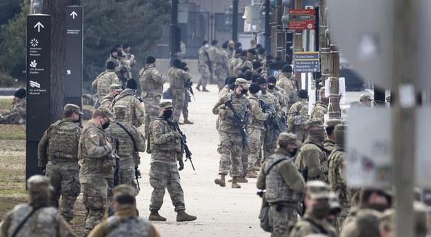 Żołnierze w pobliżu Kapitolu /JUSTIN LANE /PAP/EPA