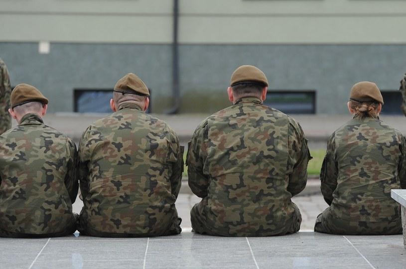 Żołnierze Wojsk Obrony Terytorialnej; zdj. ilustracyjne /Gerard /Reporter