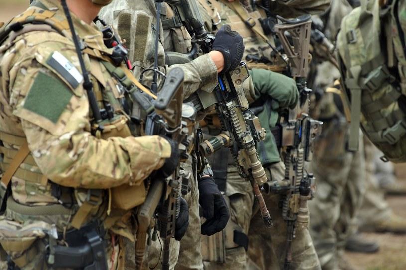 Żołnierze z Jednostki Wojskowej Komandosów; zdj. ilustracyjne /Wojciech Stóżyk /Reporter