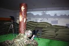 Żołnierze ze Szczecina ćwiczą na wirtualnej strzelnicy