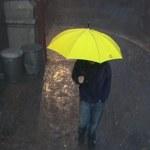 Żółta parasolka, krawat w kaczuszki i inne. Słynne gadżety z serialu