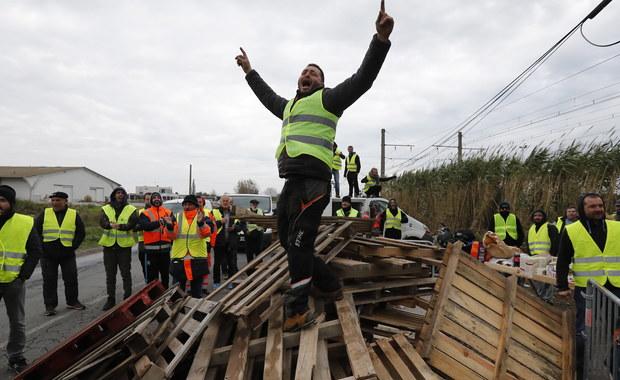 """""""Żółte kamizelki"""" chcą znowu protestować przed oknami Macrona"""