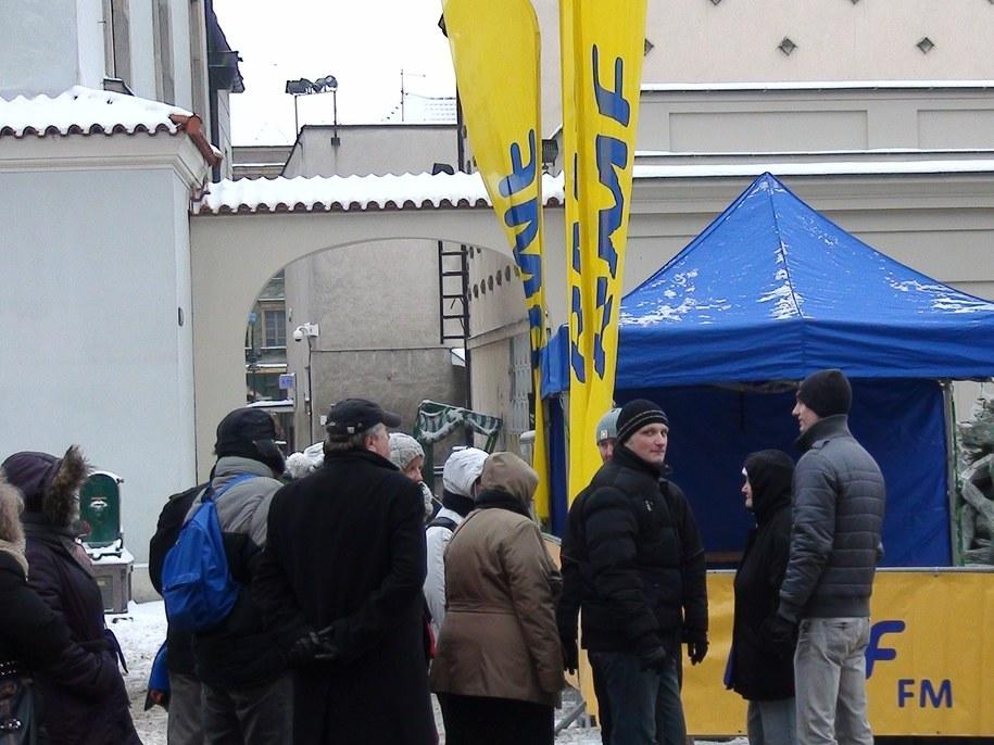 Żółto - niebieski konwój RMF FM w Poznaniu /Jacek Skóra /RMF FM