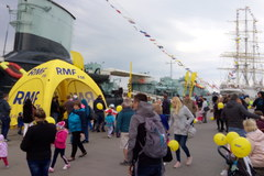"""Żółto-niebieskie miasteczko RMF FM pod ORP """"Błyskawica"""""""