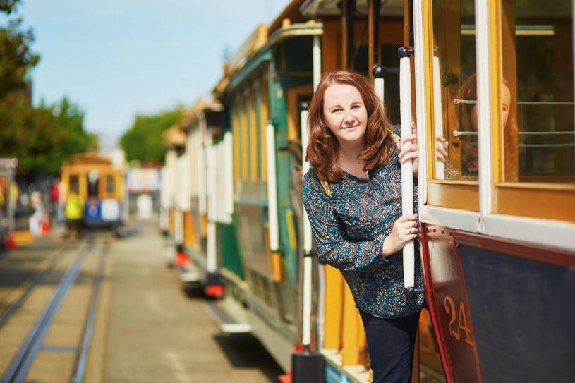 Żółty tramwaj /©123RF/PICSEL