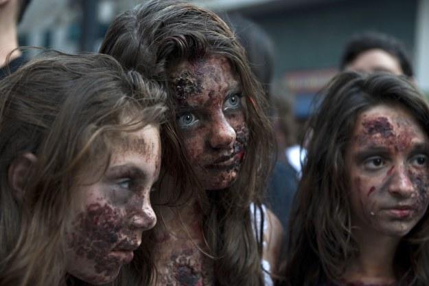 Zombie stały się kultowe na całym świecie /AFP