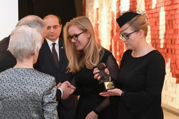 Żona prezydenta Gdańska, Magdalena Adamowicz  i córka Antonina Adamowicz odebrały Nagrodę Orła Jana Karskiego przyznaną pośmiertnie zamordowanemu Pawłowi Adamowiczowi / Adam Warżawa    /PAP