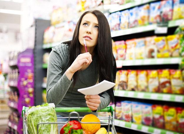 Zrezygnuj z listy zakupów - postaraj się zapamiętać, co masz kupić /123RF/PICSEL